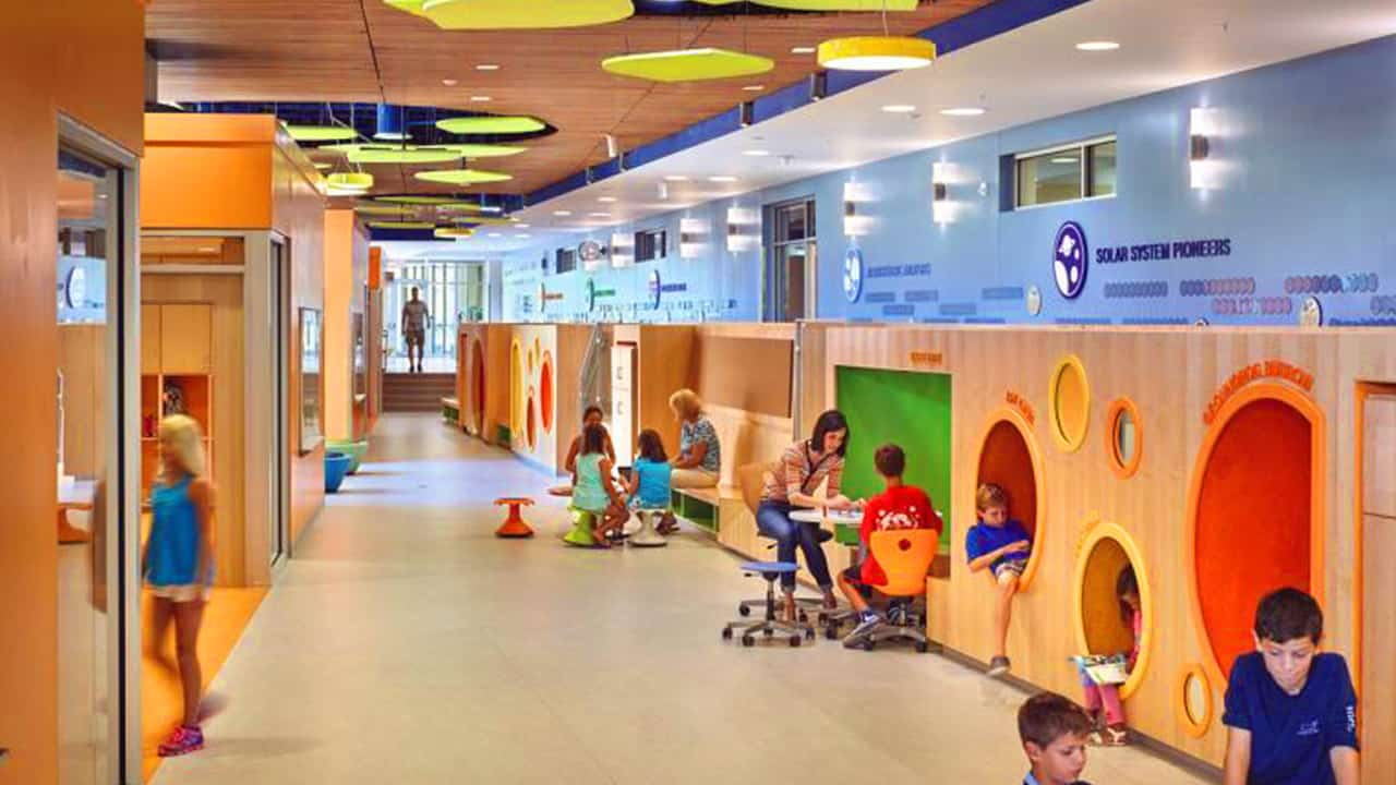 Personalised learning throughout a building - © Alan Karchner / VS Furniture / VMDO