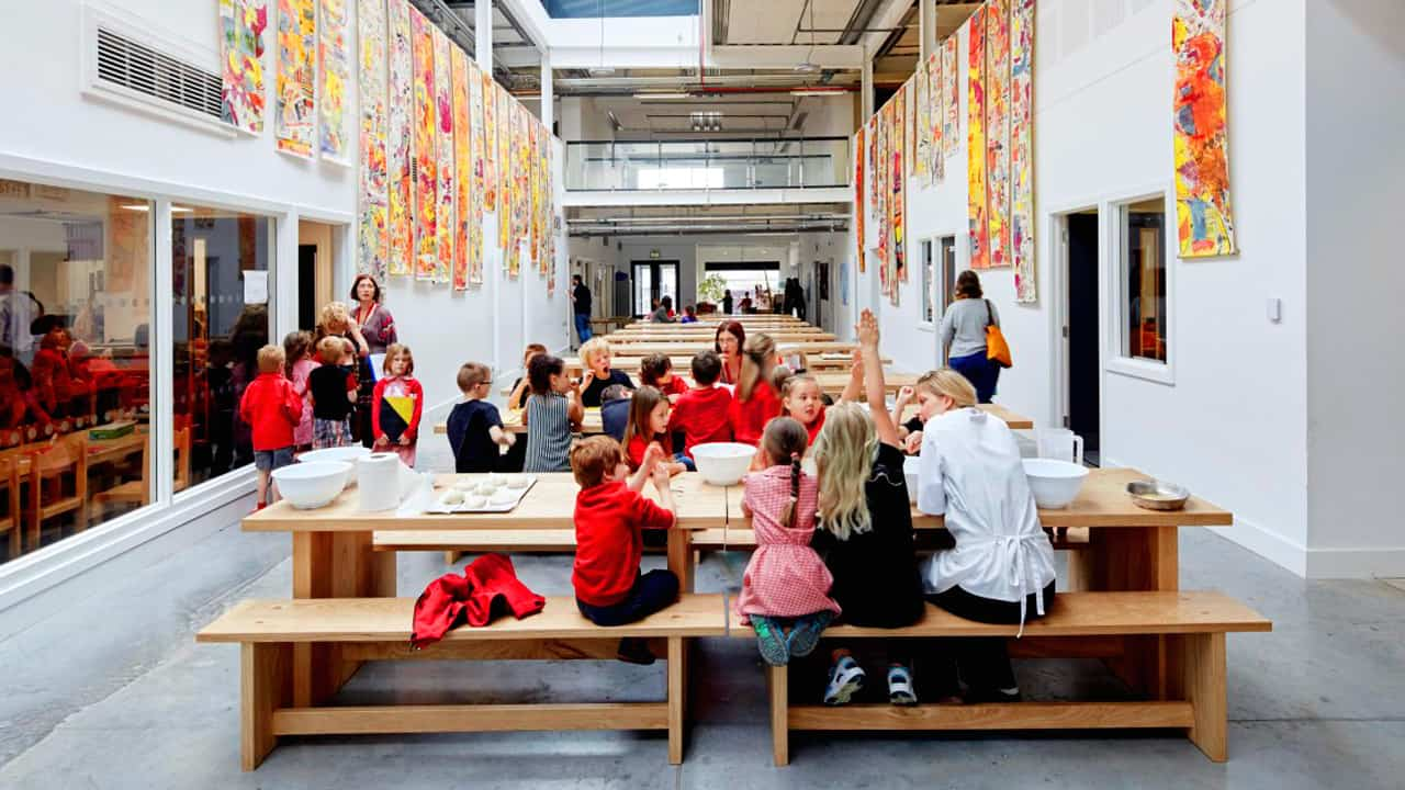Shared use of space in an open learning landscape - © Hufton & Crow